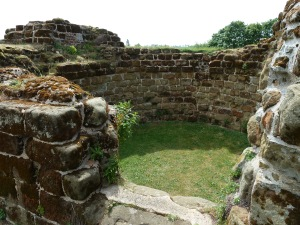 Remains of Bolingbroke Castle